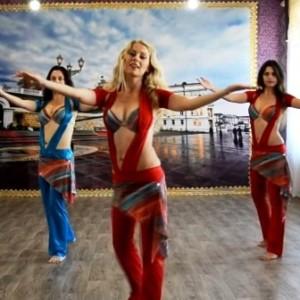 Как освоить танец живота дома - видео