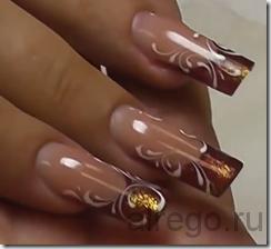 Наращивание ногтей на формах гелем.