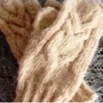 Как связать варежки спицами с узором Сова? (Видео)