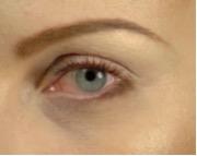 Какой макияж подходит рыжим с голубыми глазами.