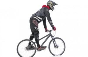 Как ездить на велосипеде зимой? Видео!